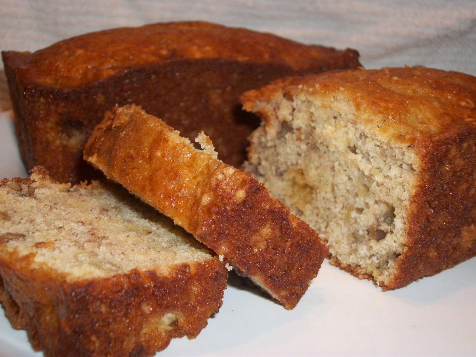 Easy Banana Walnut Cake