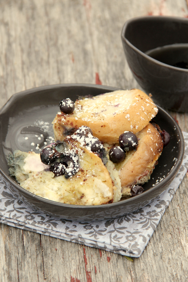 Need a brunch recipe? This Slow Cooker Blueberry French Toast is so easy to throw together and cooks up quickly in only about 3 hours, so it's perfect for brunch.