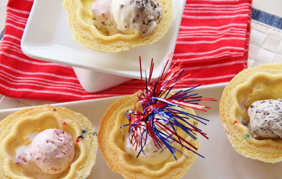 Homemade ice creams and a sweet sugar cookie bowl are the perfect summer treat.  Everyone will love this Festive Ice Cream & Cookie Bowls.