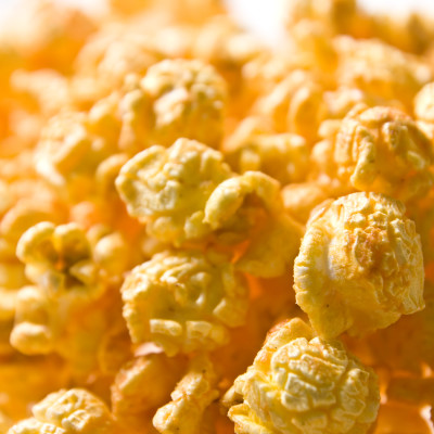 Curry Spiced Homemade Popcorn {The Picky Eater}