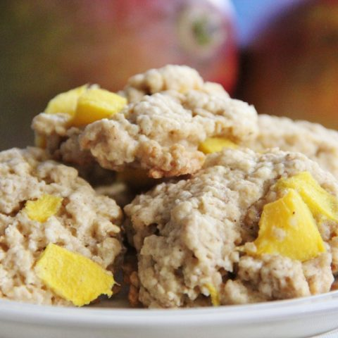 oatmeal cookies with mango