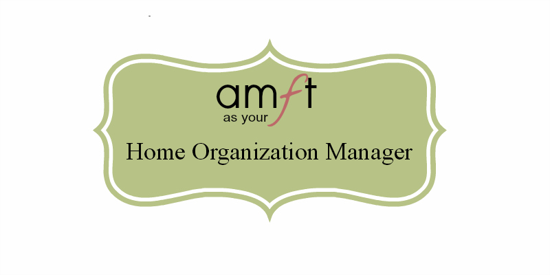 Home Organization Manager: A monthly guide to keeping your organized and on top of your schedules and keeping up in the kitchen.  Printables, Menu Ideas, Cleaning Tips, & More