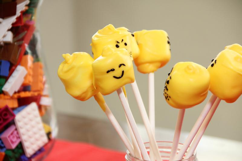 Lego Marshmallow Pops
