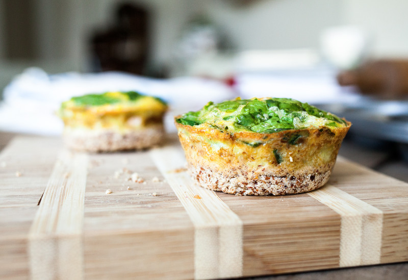 Clean Eating: Spinach + Neufchatel Mini Quiches with Almond Crumble Crust
