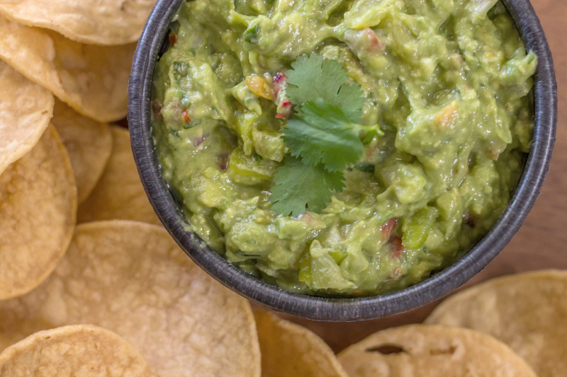 Green Chile Guacamole #15MinuteSuppers