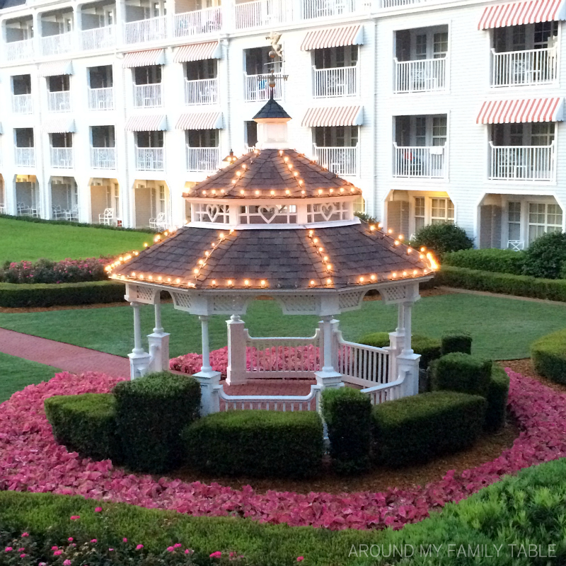 Planning a Trip to DisneyWorld? 11 Reasons to Stay at One of the DisneyWorld Resorts or DisneyWorld Hotels