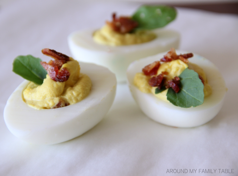 Take your holiday deviled eggs up a notch with these BLT DEVILED EGGS!