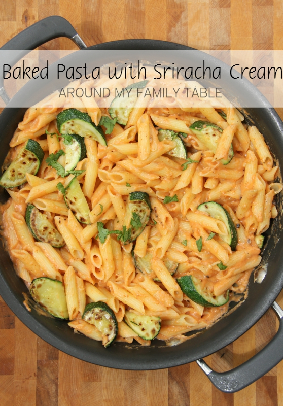 My Baked Pasta with Sriracha Cream Sauce and tons of fresh zucchini will leave you totally satisfied and craving more! via @slingmama