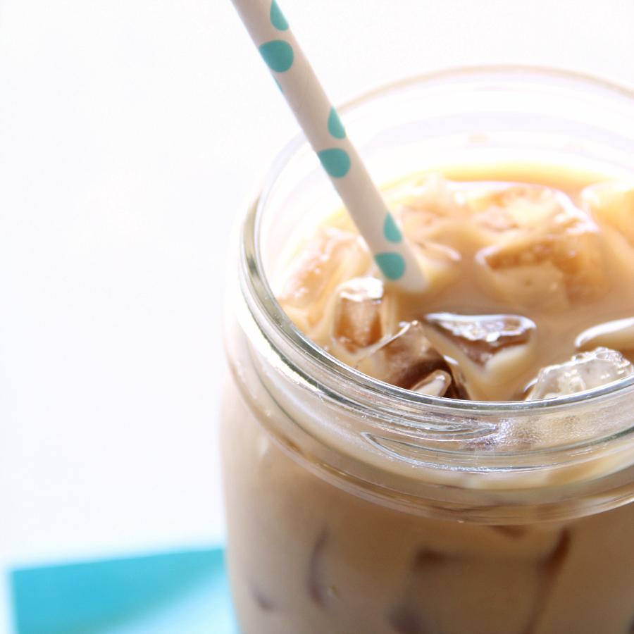 Signature Iced Skinny Vanilla Latte