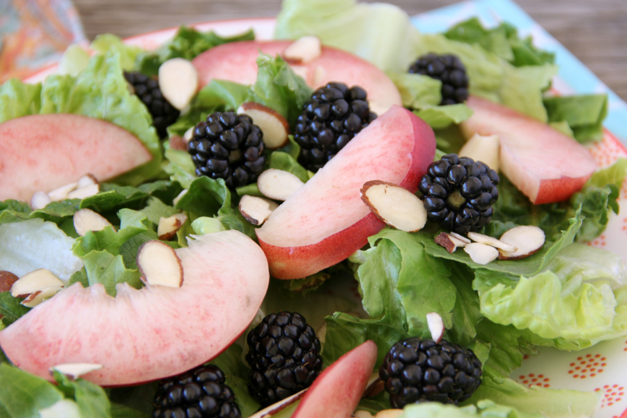 This delicious Blackberry Nectarine #Salad with Honey Vinaigrette is perfect for a hot summer night.