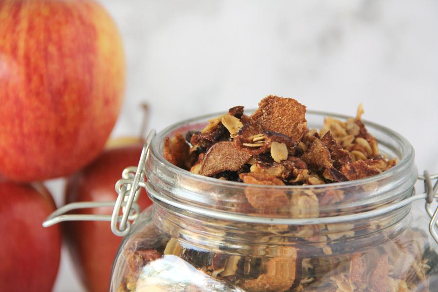 Apple Cinnamon Granola Recipe — Dishmaps