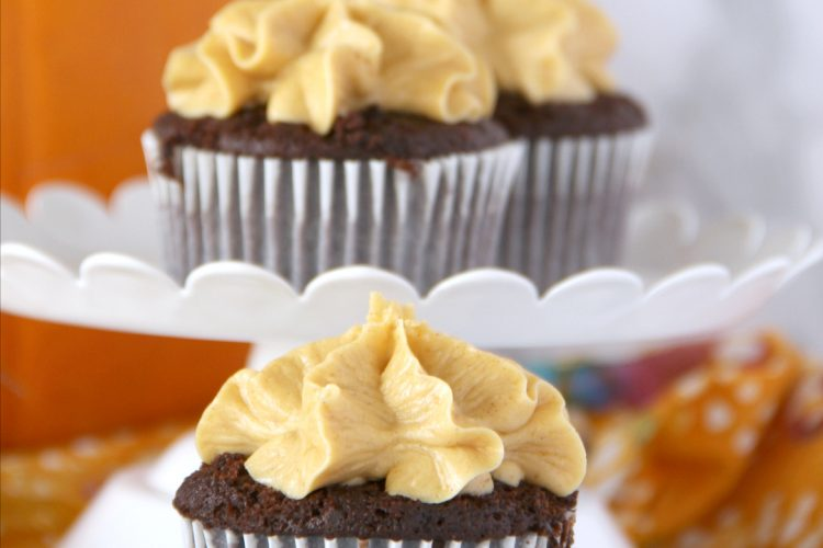 Cupcakes with Pumpkin Buttercream Frosting