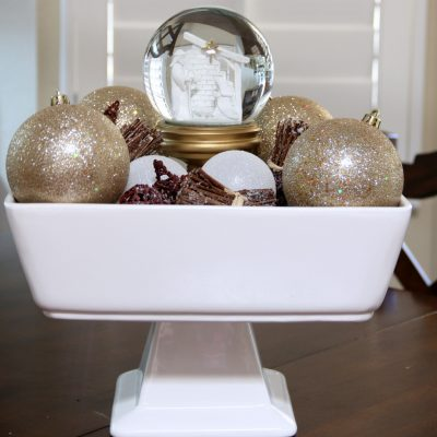 Simple Christmas Centerpiece
