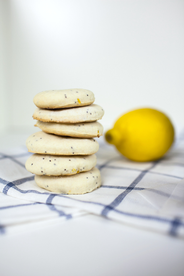 The holiday season is the perfect time for baking cookies! These easy Lemon Poppy Seed Soft Bake Cookies are quick and perfect to make with kids.