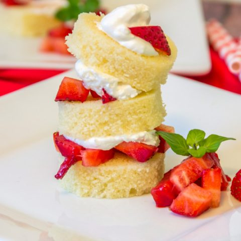 Strawberry Shortcakes - Easy Desserts for Valentine's Day