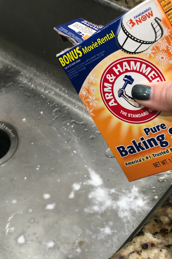 cleaning sink with baking soda