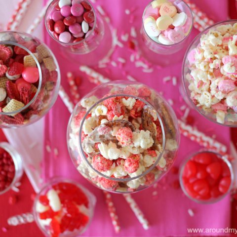 Valentine's Cinnamon Snack Mix